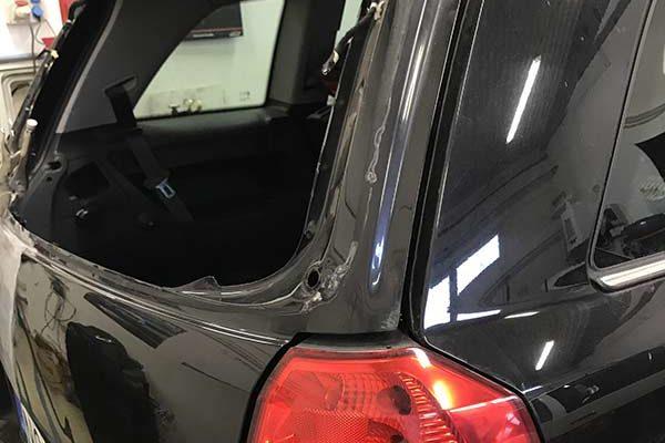 Zafira hátsó ablakának, csomagtérajtajának javítása