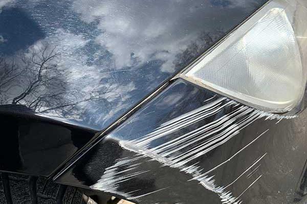 BMW első lökhárító javítása, fényezése