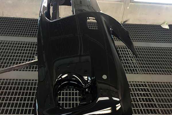 Lexus CT200 első lökhárító javítása, fényezése