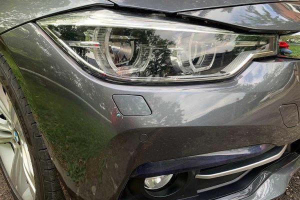 BMW 318d első lökhárító fényezése